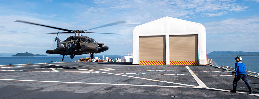 U.S. Army aviation team completes qualifications to support USNS Comfort 2019